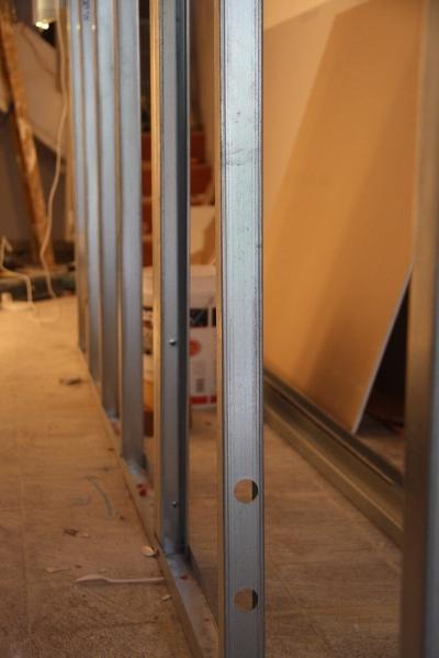 נבנה הקיר שתוכנן ליצור הפרדה בין החנות למחסן